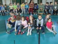 Nagy csoportosok vendégségben a Petőfi Iskolában.
